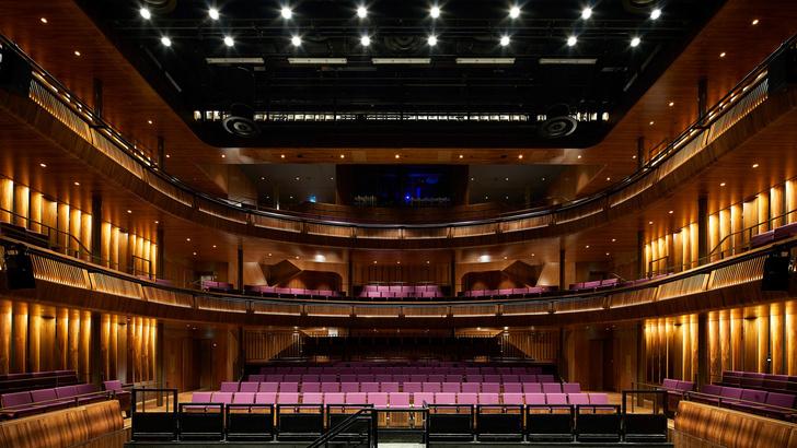 Закончилась реконструкция Лондонской королевской оперы (фото 0)
