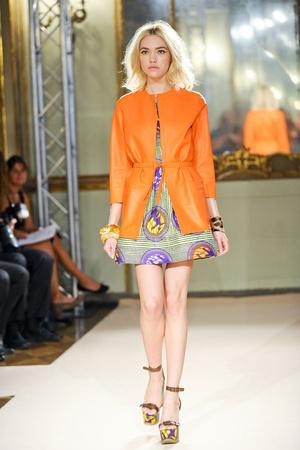 Показ Simonetta Ravizza коллекции сезона Весна-лето 2012 года Prêt-à-porter - www.elle.ru - Подиум - фото 301313