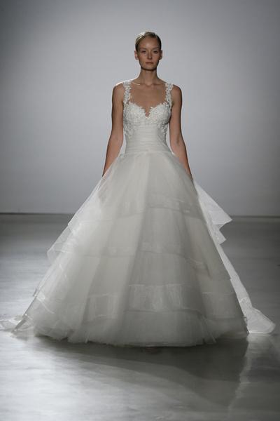 60 пышных свадебных платьев 2015 | галерея [1] фото [34]