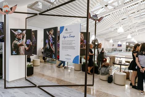 Открытие фотовыставки «Люди и Птицы» в Смоленском пассаже | галерея [1] фото [7]
