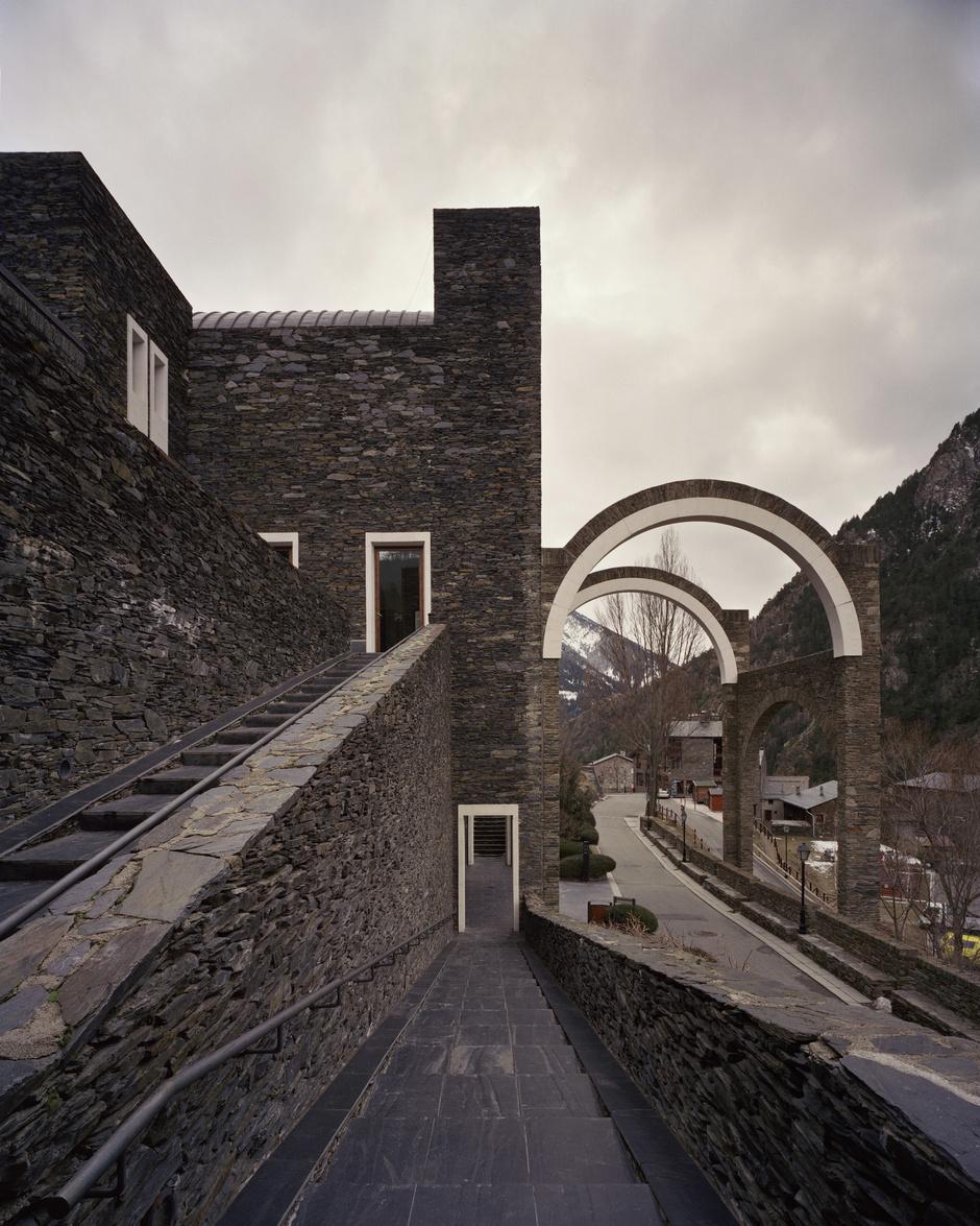 Рикардо Бофилл: самый известный архитектор постмодернизма (фото 20)