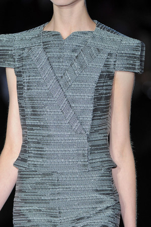 Показы мод Bruno Pieters Весна-лето 2009 | Подиум на ELLE - Подиум - фото 3369