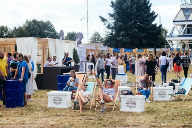В Санкт-Петербурге состоялся первый винный фестиваль «Пикник Абрау» (фото 6)