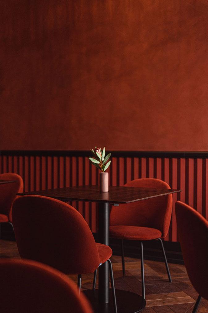 Варшавский ресторан Epoka в оттенках синего (фото 4)