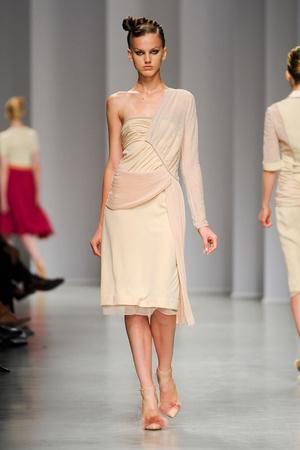 Показы мод Antonio Marras Весна-лето 2012 | Подиум на ELLE - Подиум - фото 1895