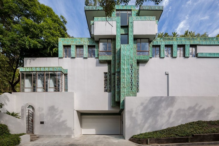 «Дом Самуэля-Новарро» по проекту Ллойда Райта вновь выставлен на продажу (фото 0)