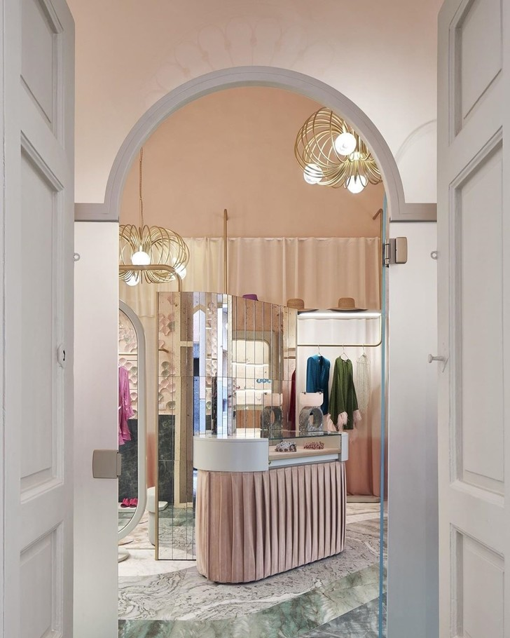 Нежно-розовый бутик по дизайну Кристины Челестино (фото 5)