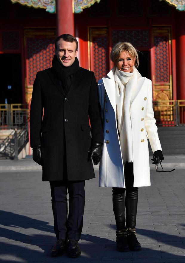 Все образы Бриджит Макрон из тура в Пекин (фото 5)
