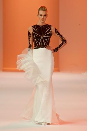 Показ Stephane Rolland коллекции сезона Весна-лето 2014 года haute couture - www.elle.ru - Подиум - фото 575035