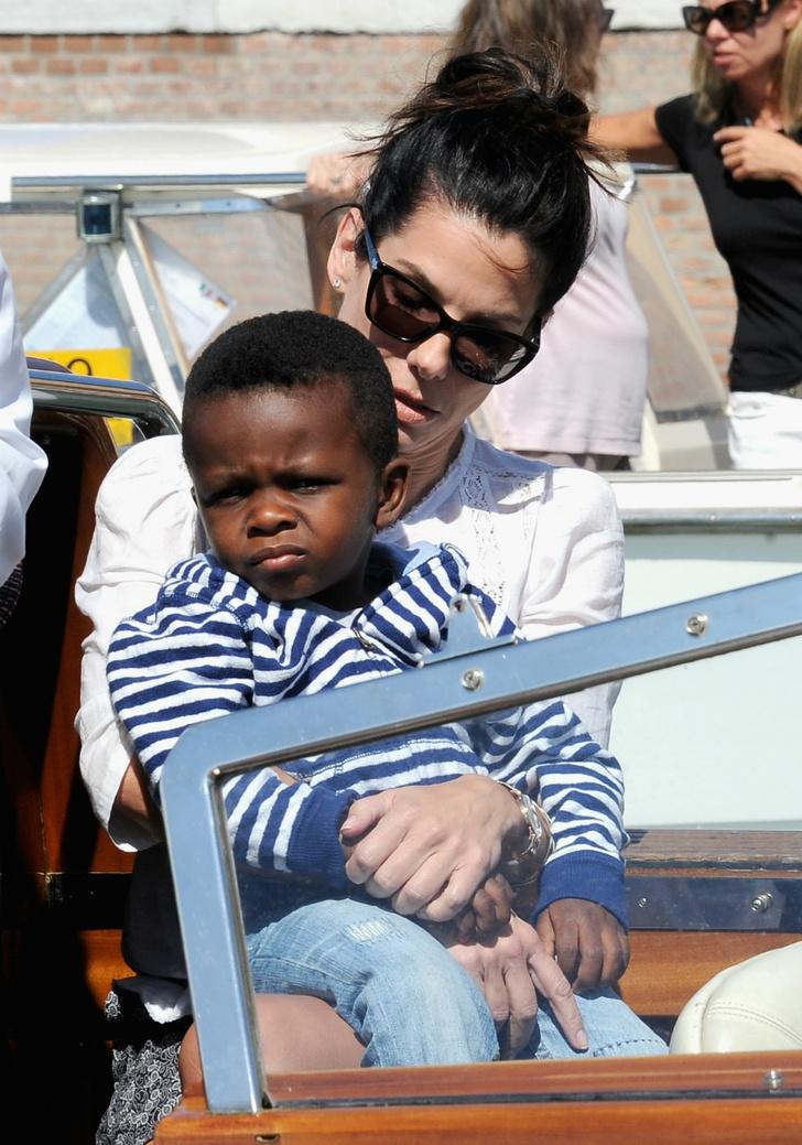 Сандра Буллок с сыном Луисом
