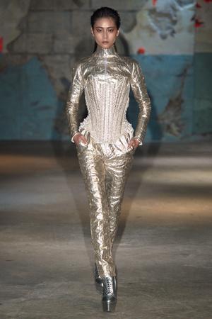 Показ Serkan Cura коллекции сезона Весна-лето 2015 года haute couture - www.elle.ru - Подиум - фото 593318