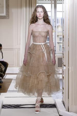 Показ Schiaparelli коллекции сезона Весна-лето 2018 года Haute couture - www.elle.ru - Подиум - фото 671381