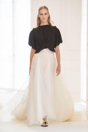 Показ Christian Dior коллекции сезона Осень-зима 2016-2017 года Haute couture - www.elle.ru - Подиум - фото 607094