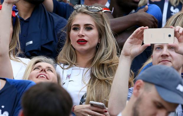 Самые красивые подруги французских футболистов (фото 4)