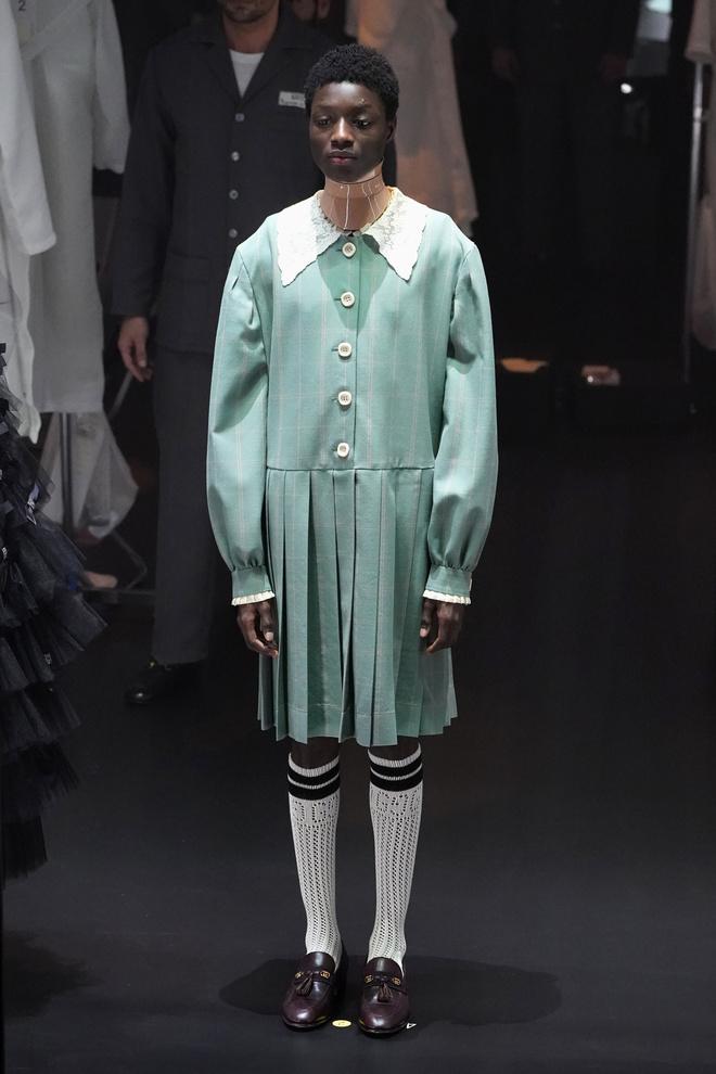 Мастера Gucci дошивали одежду прямо на показе (фото 7.2)