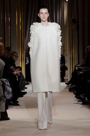 Показ Giambattista Valli коллекции сезона Весна-лето 2012 года haute couture - www.elle.ru - Подиум - фото 330847