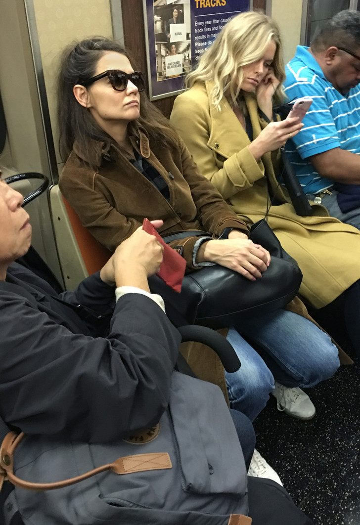 Кэти Холмс и другие знаменитости, предпочитающие передвигаться на метро фото [1]