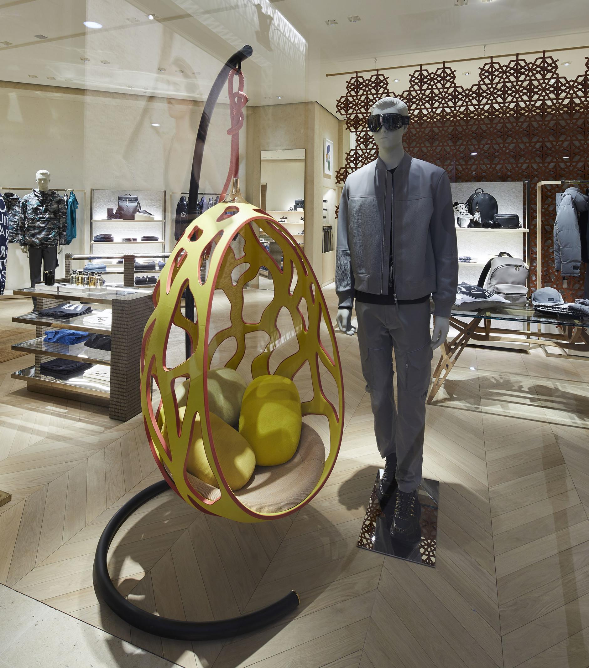 Коллекция Objets Nomades в новом бутике Louis Vuitton (галерея 5, фото 2)