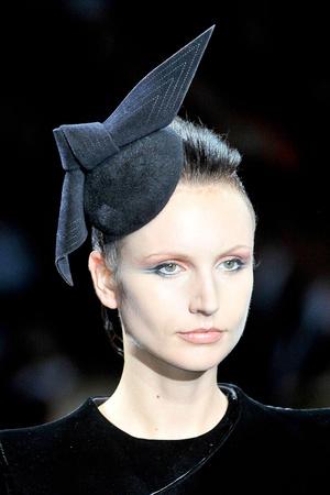 Показ Giorgio Armani Privé коллекции сезона Осень-зима 2011-2012 года haute couture - www.elle.ru - Подиум - фото 277720