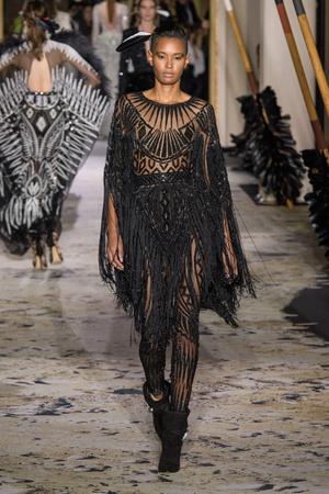 Показ Zuhair Murad коллекции сезона Весна-лето 2018 года Haute couture - www.elle.ru - Подиум - фото 677821