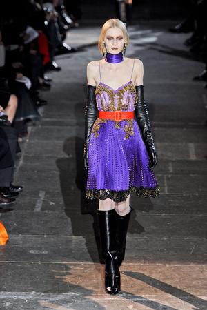 Показ Givenchy коллекции сезона Осень-зима 2012-2013 года Prêt-à-porter - www.elle.ru - Подиум - фото 382586