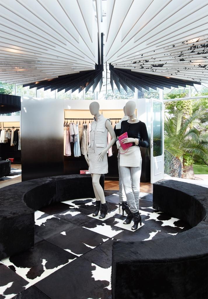 Эфемерный бутик Chanel в Сен-Тропе продолжит свою работу до октября