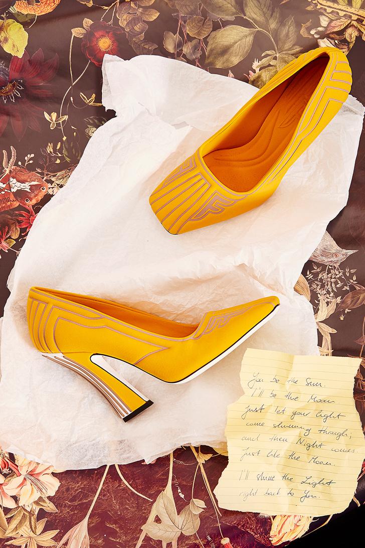 Бумажная страна: модные аксессуары как атрибуты поэтического творчества (фото 9)