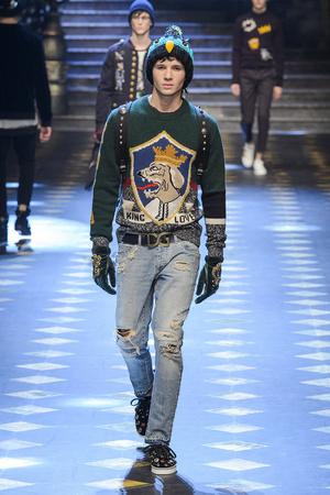 Показ Dolce & Gabbana коллекции сезона Осень-зима 2017-2018 года Men prêt-à-porter - www.elle.ru - Подиум - фото 614500
