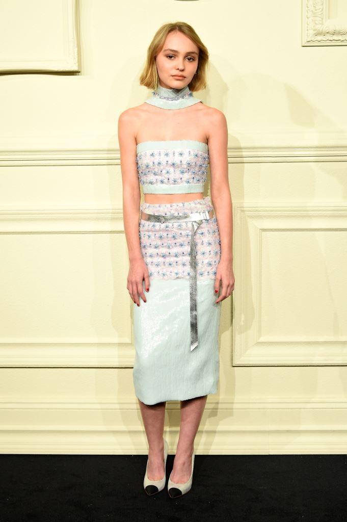Фото дня: дочь Джони Деппа и Ванессы Паради на показе Chanel
