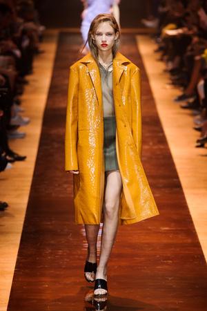 Показы мод Nina Ricci Весна-лето  2016 | Подиум на ELLE - Подиум - фото 4449