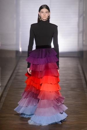 Показ Givenchy коллекции сезона Весна-лето 2018 года Haute couture - www.elle.ru - Подиум - фото 674711