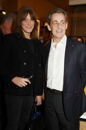 Редкий выход Карлы Бруни и Николя Саркози фото [3]