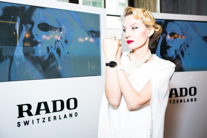 Рената Литвинова на презентации арт-проекта Rado «Прикоснись ко времени»