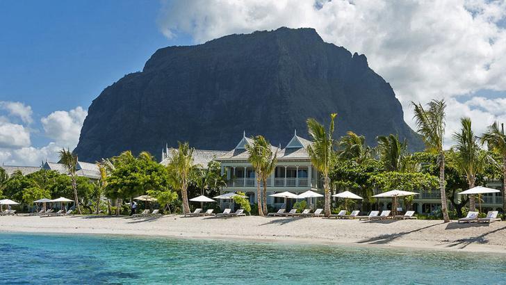 St. Regis Mauritius вписался в пейзаж полуострова Ле Морн Брабант, включенного в список всемирного наследия ЮНЕСКО
