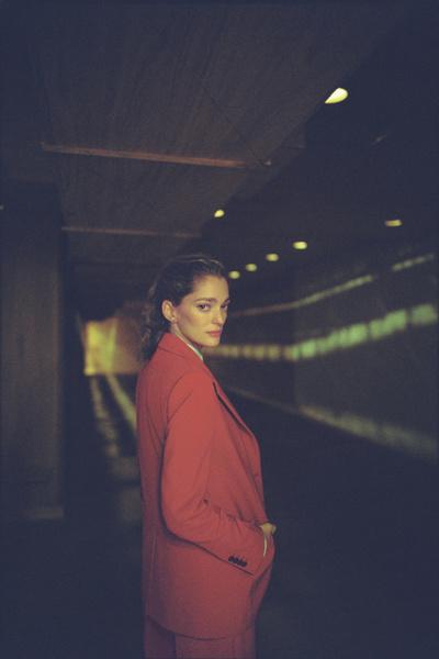 Mango сняли фильм с Софией Санчес де Бетак | галерея [1] фото [1]