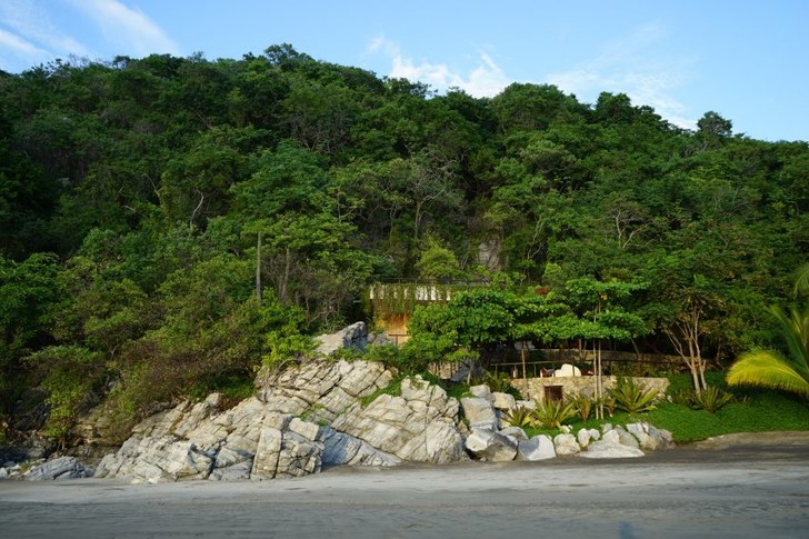 Дом в скале (фото 6)