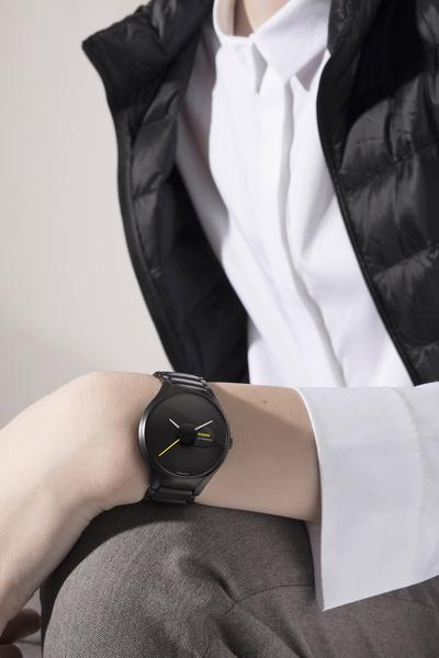 Дизайнеры создали шесть моделей часов из линии Rado True | галерея [3] фото [1]