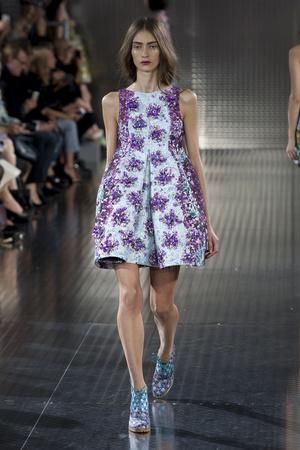 Показы мод Mary Katrantzou Весна-лето 2014 | Подиум на ELLE - Подиум - фото 3585