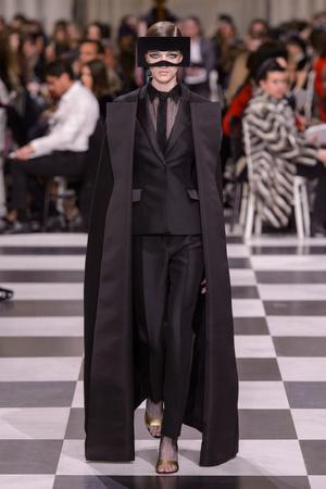 Показ Dior Haute Couture коллекции сезона Весна-лето 2018 года haute couture - www.elle.ru - Подиум - фото 673251
