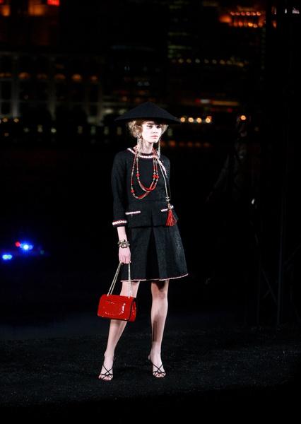 Chanel «Metiers d'Art» в Шанхае