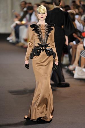 Показ Stephane Rolland коллекции сезона Осень-зима 2011-2012 года haute couture - www.elle.ru - Подиум - фото 278162
