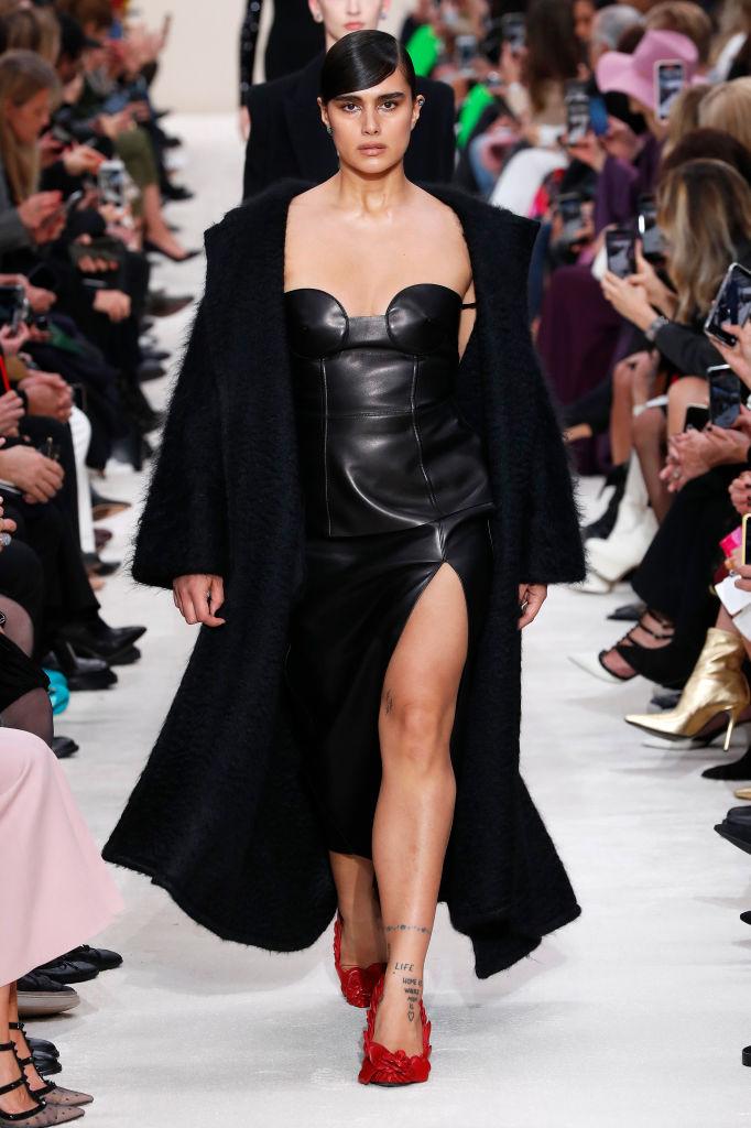 Тело как искусство: лучшие выходы curvy-модели Джилл Кортлев на Неделях моды (фото 3)