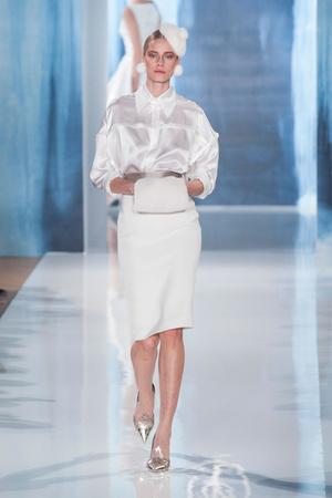 Показы мод Valentin Yudashkin Осень-зима 2013-2014 | Подиум на ELLE - Подиум - фото 599