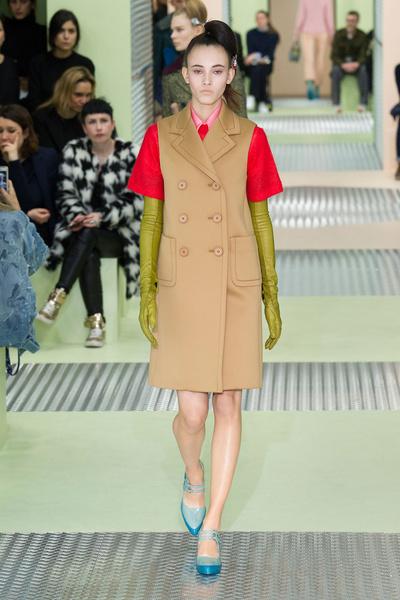 Показ Prada на Неделе моды в Милане | галерея [1] фото [34]
