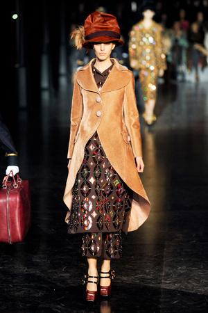 Показ Louis Vuitton коллекции сезона Осень-зима 2012-2013 года Prêt-à-porter - www.elle.ru - Подиум - фото 387457