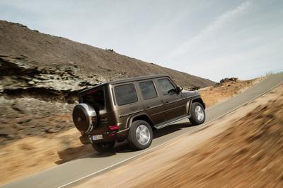 Невозможное возможно: Mercedes-Benz усовершенствовали легендарный G-Класс (галерея 6, фото 4)