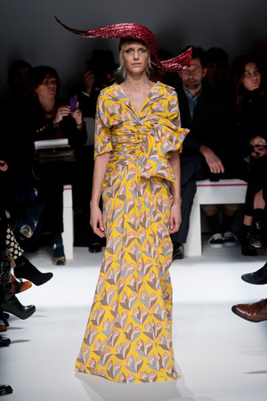 Показ Schiaparelli коллекции сезона Весна-лето 2014 года Haute couture - www.elle.ru - Подиум - фото 574219
