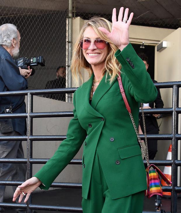 Какой оттенок зеленого подходит блондинкам? Джулия Робертс дает совет (фото 2)