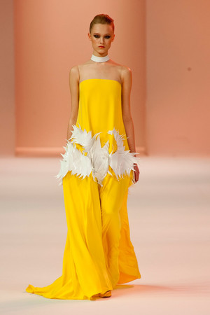 Показ Stephane Rolland коллекции сезона Весна-лето 2014 года haute couture - www.elle.ru - Подиум - фото 575031