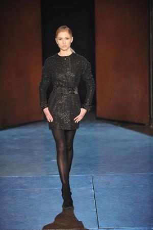 Показ Lefranc Ferrant коллекции сезона Весна-лето 2010 года Haute couture - www.elle.ru - Подиум - фото 139111